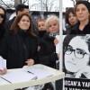 Zuhal Olcay'dan kadın kollarına destek