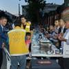 Üsküdar'ın sokak iftarlarında kardeşlik hakim