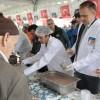 Çekmeköy Belediyesi'nden vatandaşlara aşure ikramı