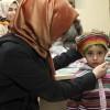 Sultanbeylili öğrenciler çocukları ısıtmak için ördüler