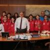 Şampiyon kızlardan Başkan Can'a ziyaret