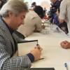 Başkan Demircan, kitaplarını Sancaktepeli kitapseverler için imzaladı